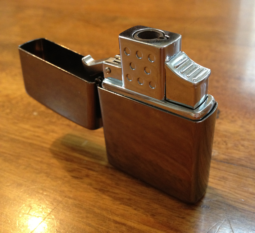 Vector Thunderbird lighter in Zippo