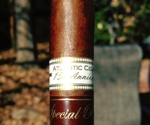 Cigar review Oliva Atlantic Cigar 15th Aniversario Diadema
