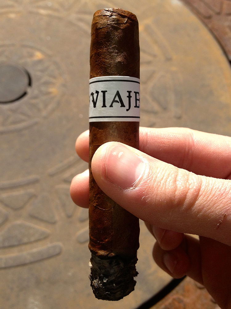 Smoking Viaje Winter Classic cigar