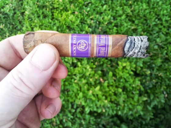 Rocky Patel Royal Vintage Cigar Review and Rating
