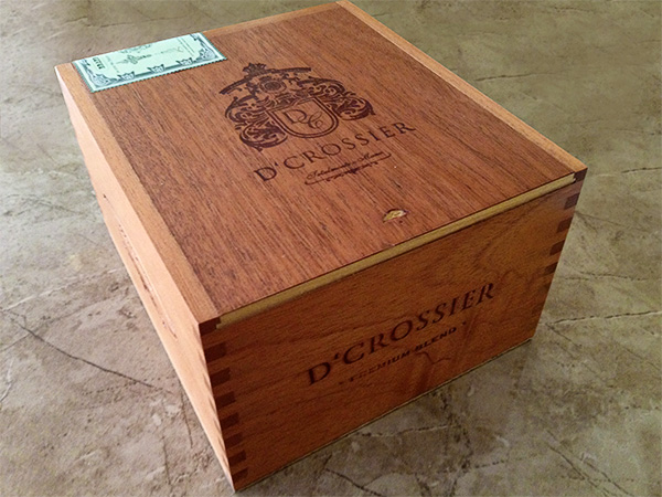 D'Crossier Premium Blend box cigars