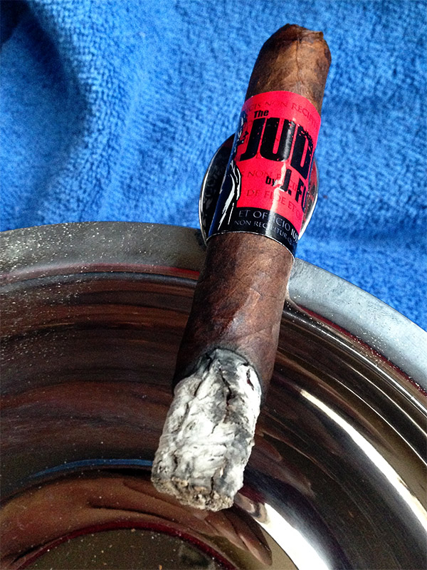 The Judge robusto cigar review