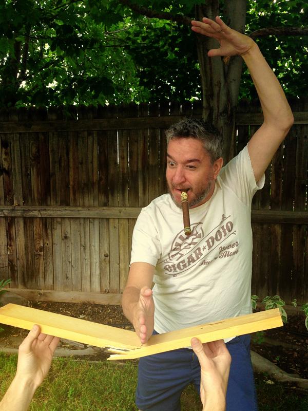 La Jugada Nunchuck cigar contest