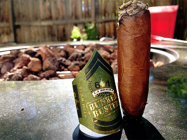Smoke cigar 601 Bunker Buster review