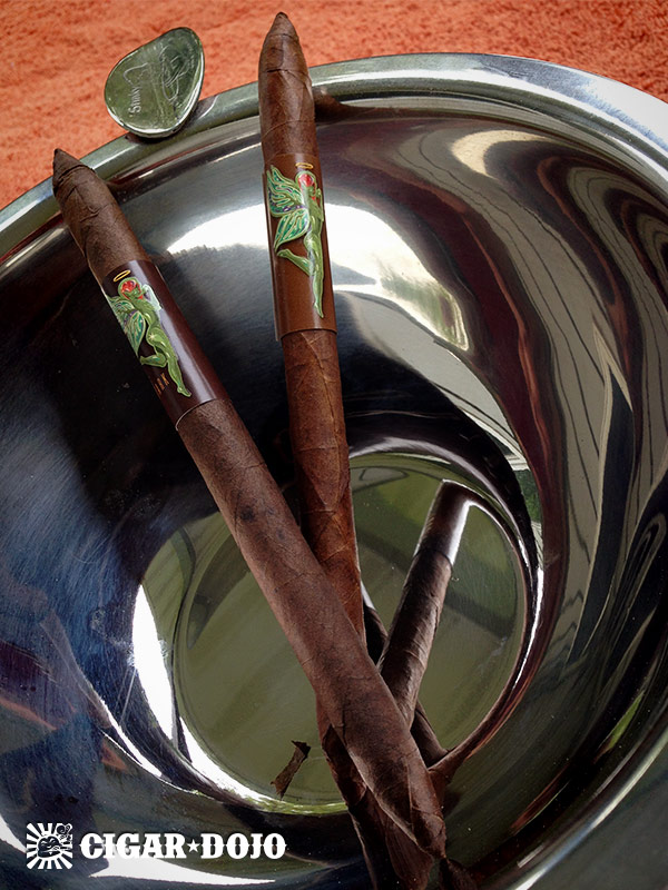 Crux Cigars Ninfamaniac cigar review