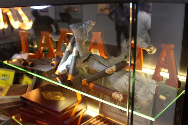 Espinosa Laranja cigars display IPCPR 2014