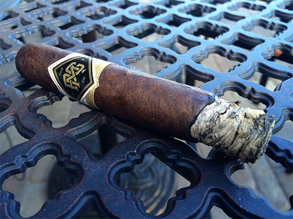 BG Meyer Co. Standard Issue robusto cigar review