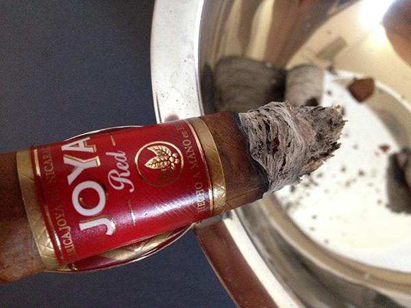 Joya Red cigar by Joya de Nicaragua cigar