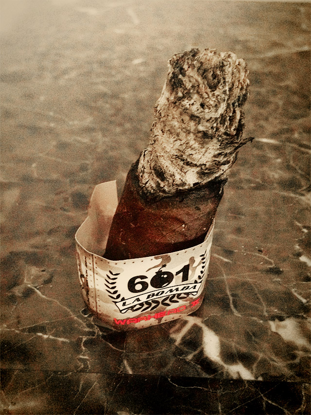 601 La Bomba Warhead II cigar review and rating