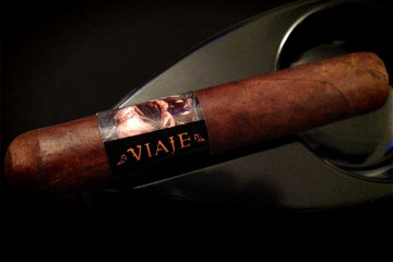 Viaje Full Moon 2014 cigar review