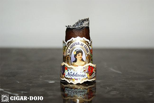 La Aroma de Cuba Noblesse cigar review and rating