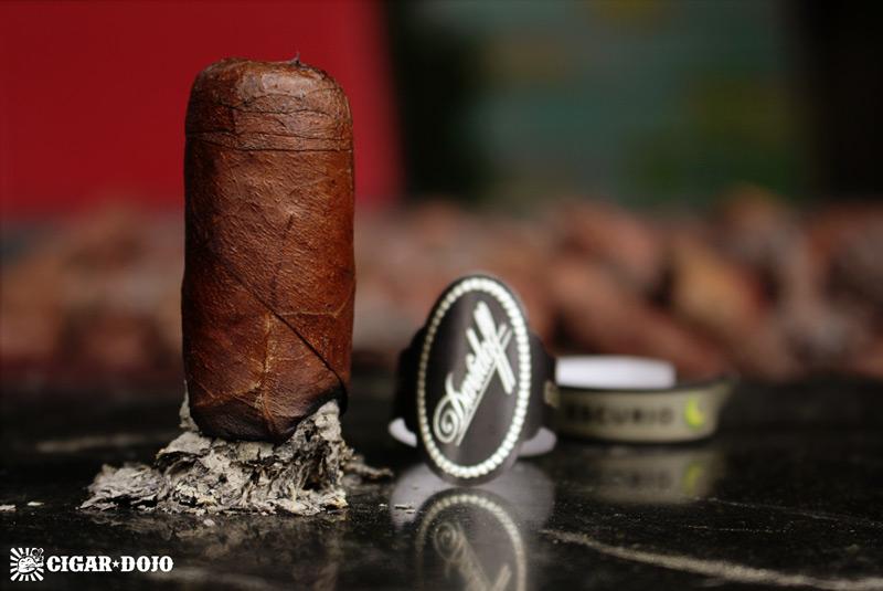 Davidoff Escurio cigar review and rating