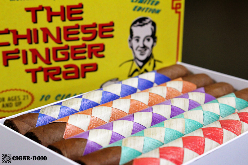 MoyaRuiz The Chinese Finger Trap cigar packaging