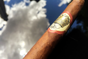 Caldwell Long Live the King cigar review