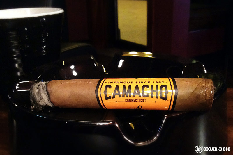 Camacho Connecticut robusto cigar review
