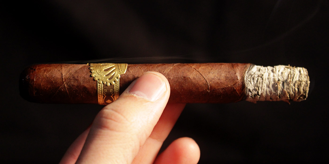 Dunbarton Tobacco & Trust Sobremesa cigar review