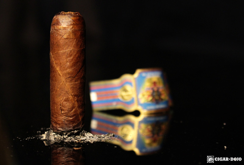Foundation El Güegüense cigar review and rating