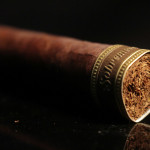 Dunbarton Tobacco & Trust Sobremesa cigar foot band