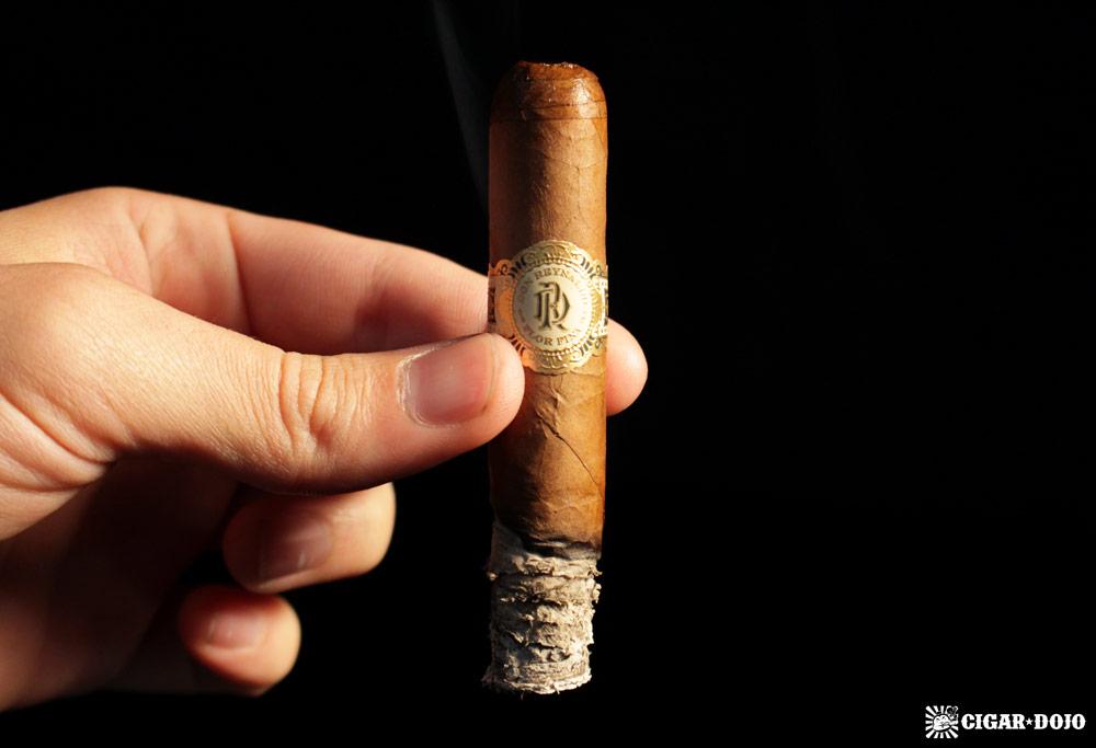 Warped Don Reynaldo Regalos corona cigar review