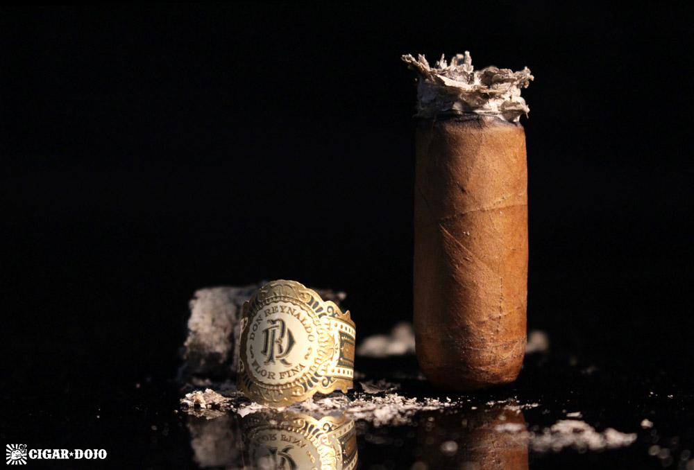 Warped Don Reynaldo Regalos cigar review and rating