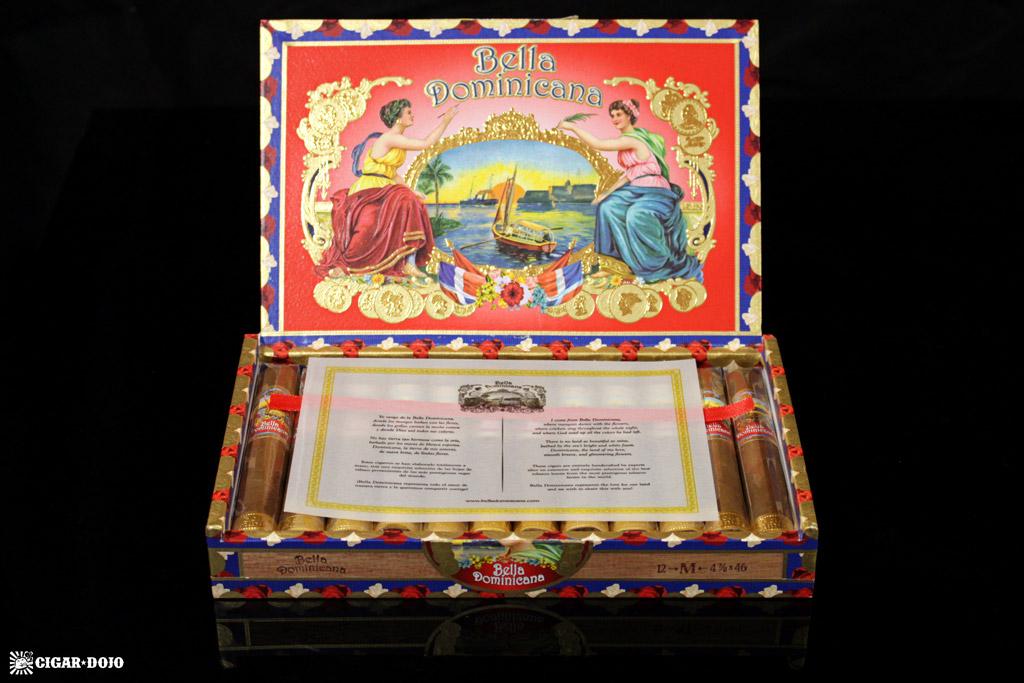 Bella Dominicana cigar box open