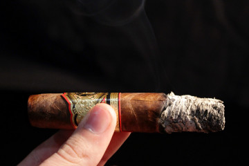 Arturo Fuente Don Carlos Eye of the Shark cigar review