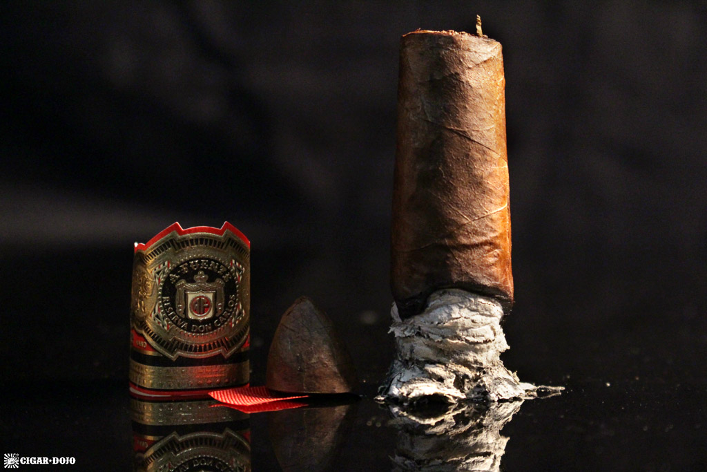 Arturo Fuente Don Carlos Eye of the Shark cigar review and rating