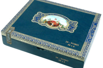 Por Larrañaga heritage cigar box closed