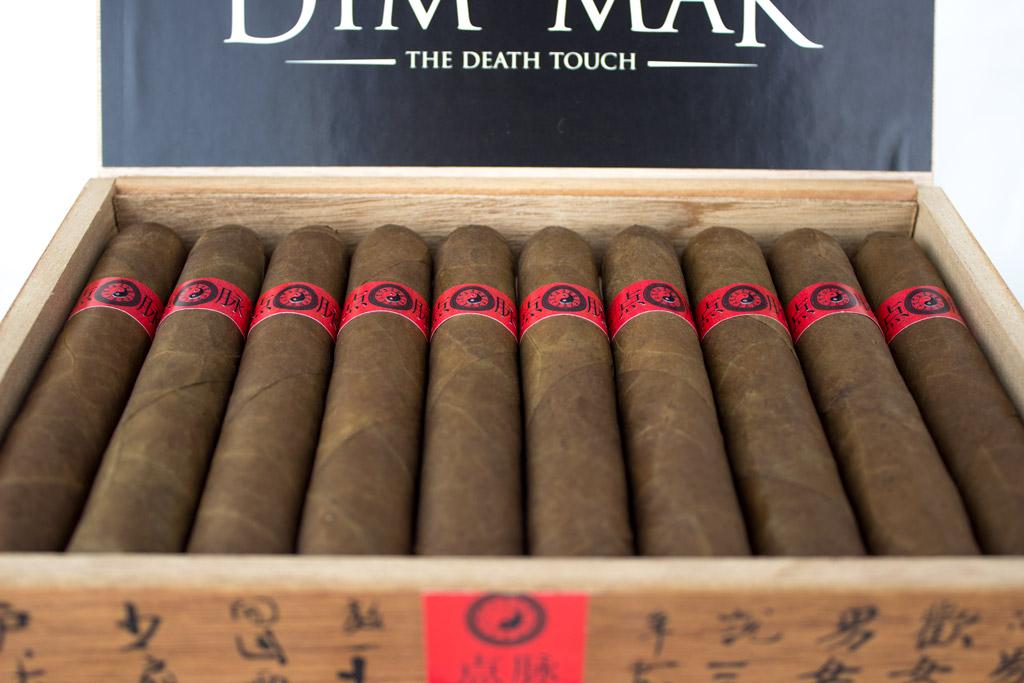 moya-ruiz-dim-mak-cigar-presentation