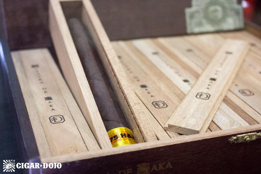 Dunbarton Tobacco & Trust Muestra de Saka cigars IPCPR 2016