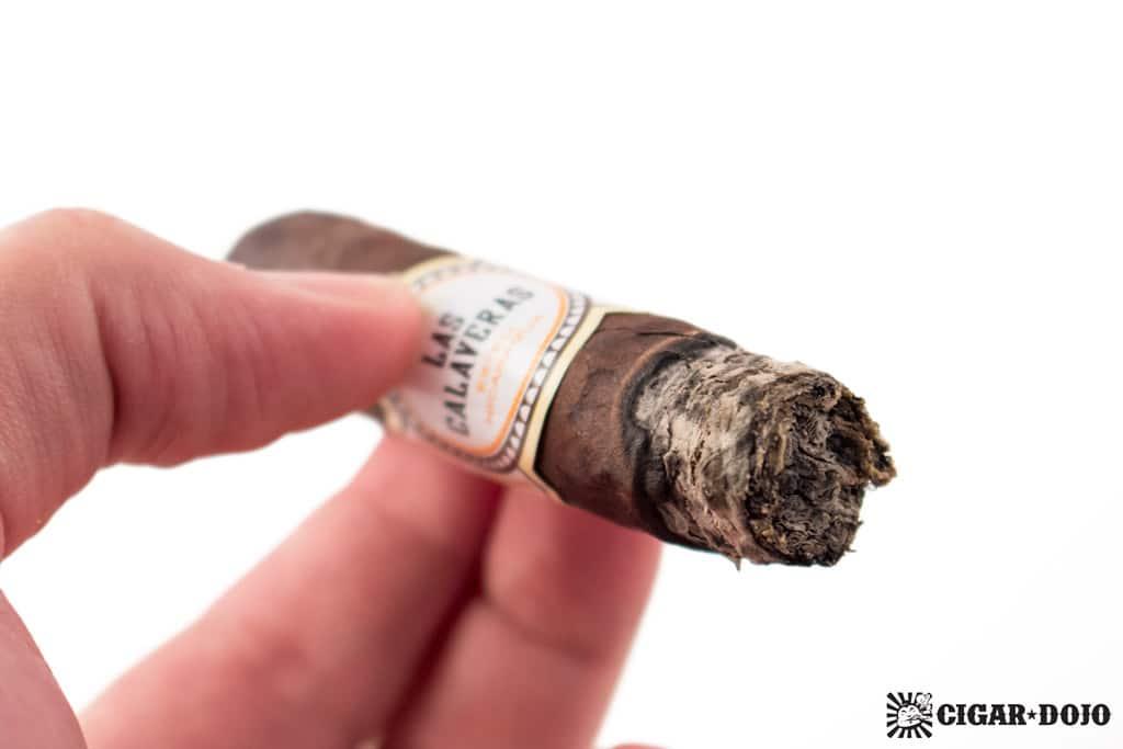 Crowned Heads Las Calaveras Edición Limitada 2016 LC46 cigar ash