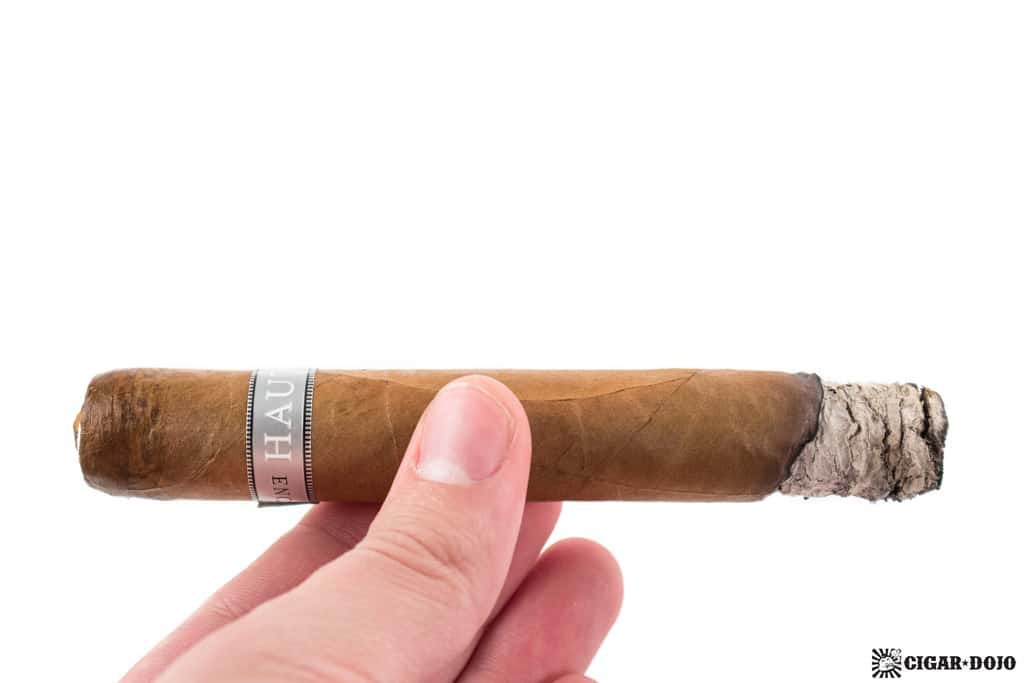 Illusione Haut 10 cigar ash