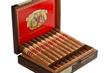 Romeo y Julieta Crafted by A. J. Fernandez cigar box open
