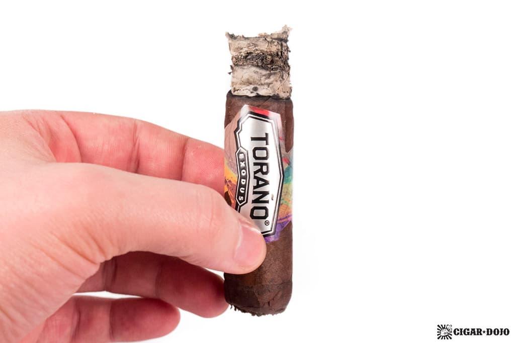 Toraño Exodus Robusto cigar smoking