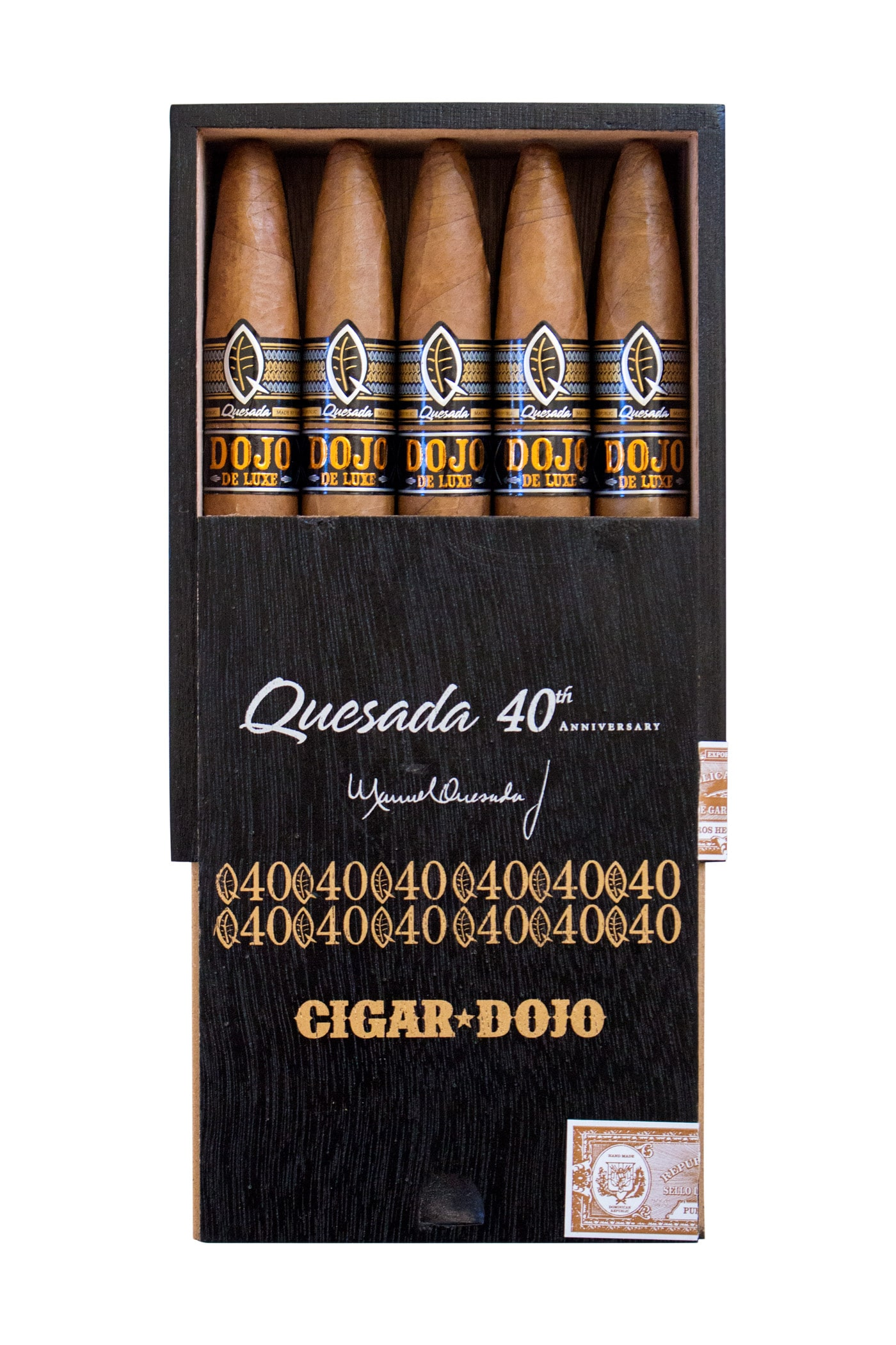 Quesada Dojo de Luxe cigar packaging open box