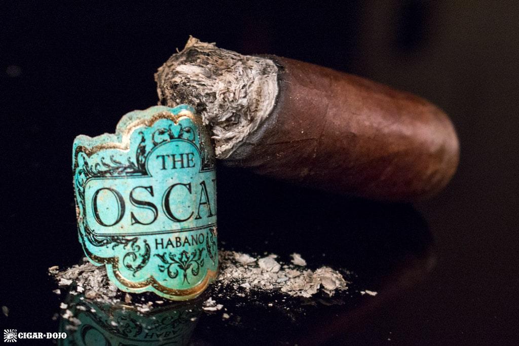 The Oscar Habano Robusto cigar nub