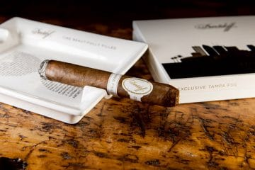 Davidoff Tampa FSG Limited edition cigar smoking