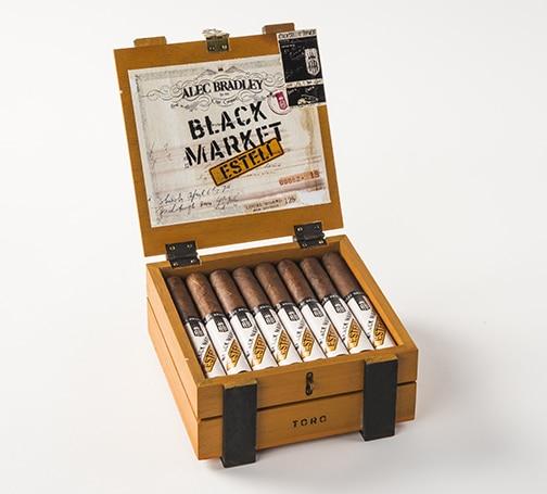 Alec Bradley Black Market Estelí cigar box open