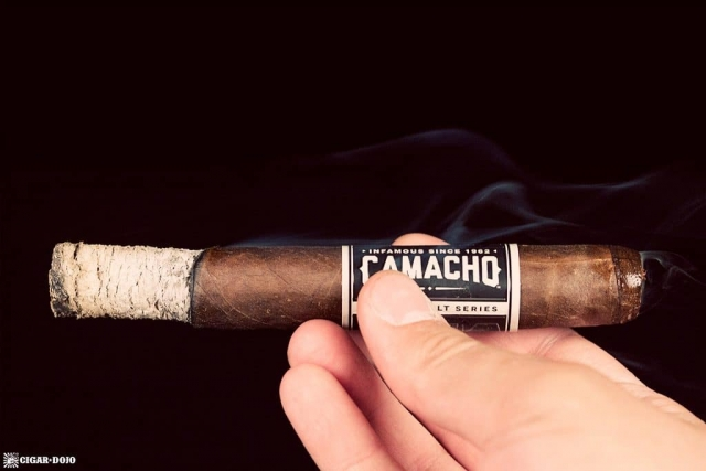 Cigar Dojo Camacho Imperial Stout Barrel-Aged cigar smoking