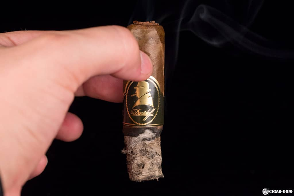 Davidoff Winston Churchill The Late Hour Robusto cigar smoking