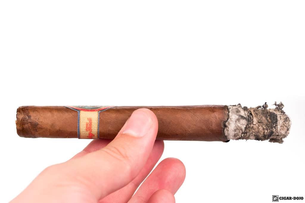 Gaaja Maduro Torpedo cigar ash