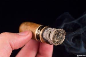 Tatuaje Négociant Monopole No. 4 smoking