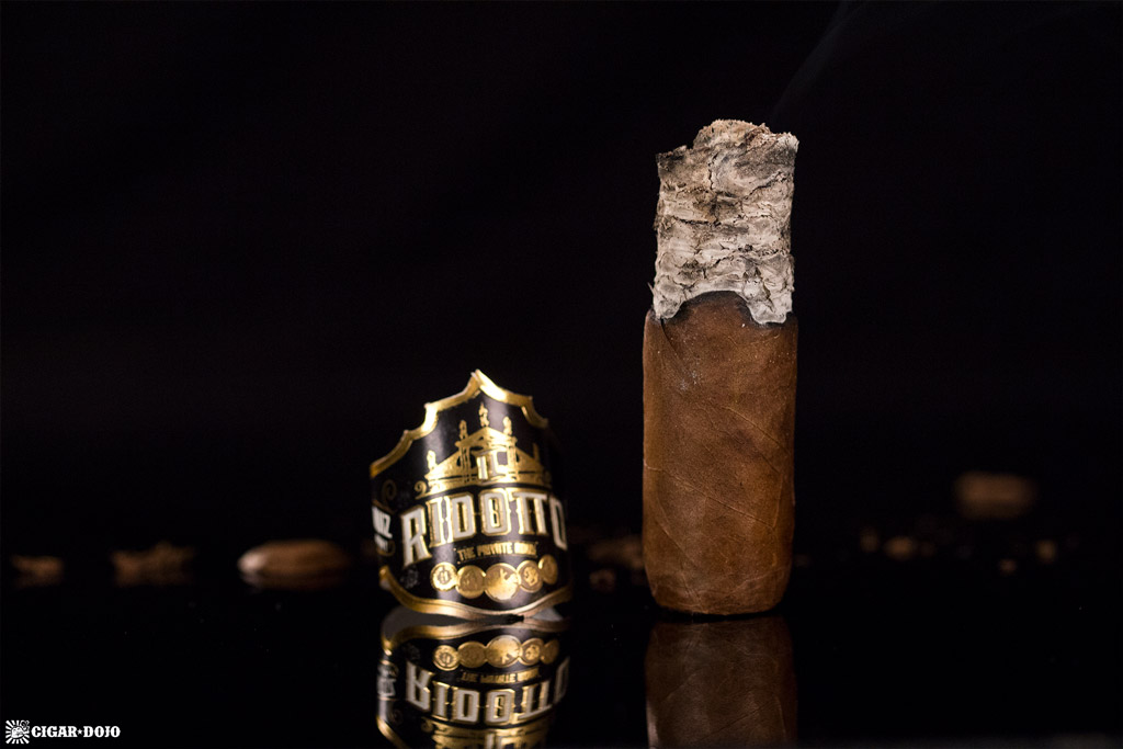 MoyaRuiz Il Ridotto Biribi cigar nubbed