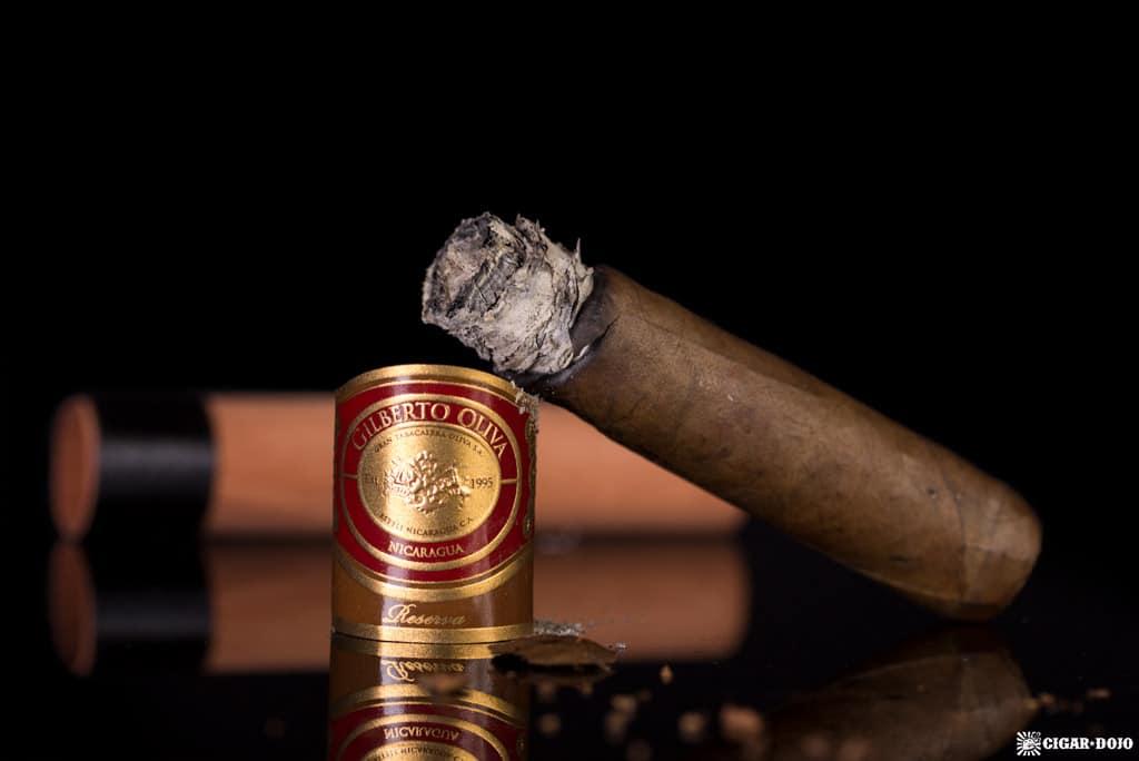 Oliva Gilberto Reserva Corona cigar nubbed