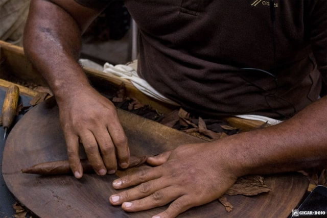 Cigar rolling at Cigars Davidoff