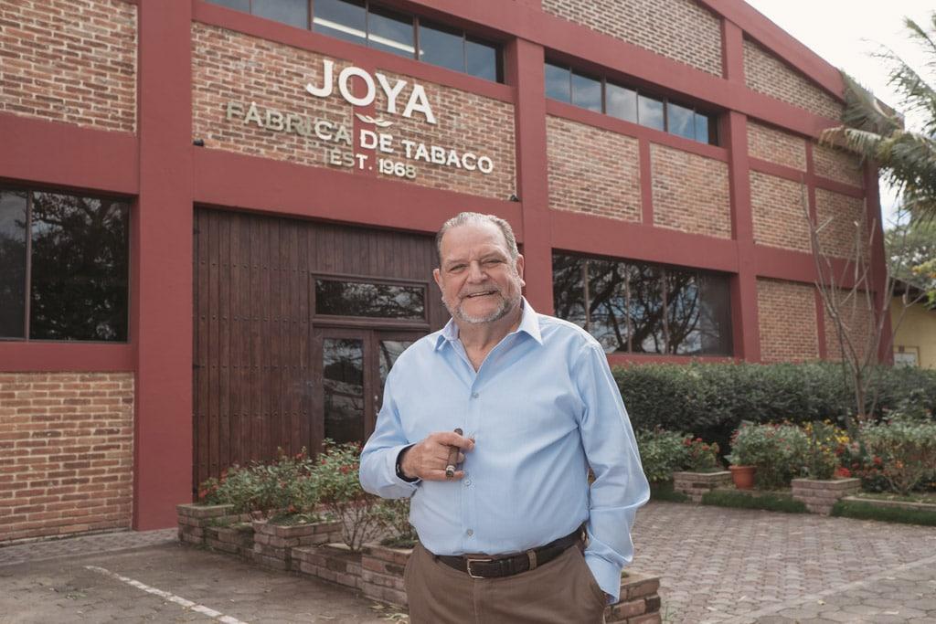 Dr. Alejandro Martínez Cuenca Joya de Nicaragua