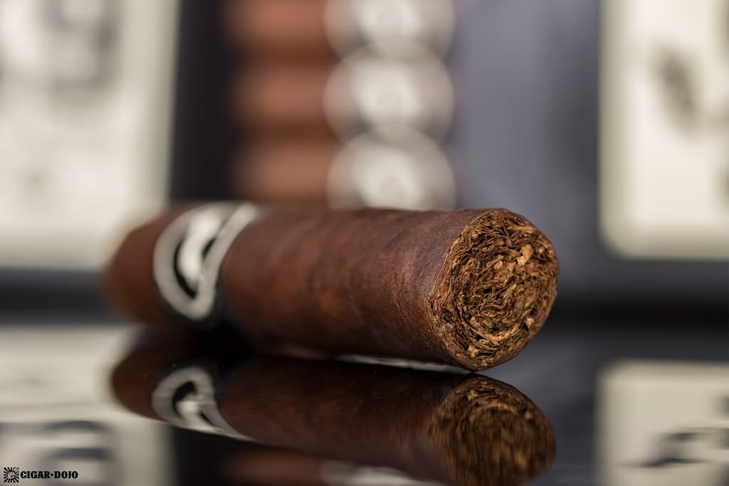 Cubariqueño Protocol K9 cigar foot