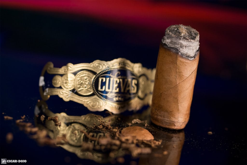 Casa Cuevas Connecticut Robusto cigar nubbed