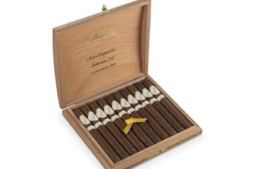 Davidoff Selección 702 Limited Edition 2009 50th Anniversary cigar box open