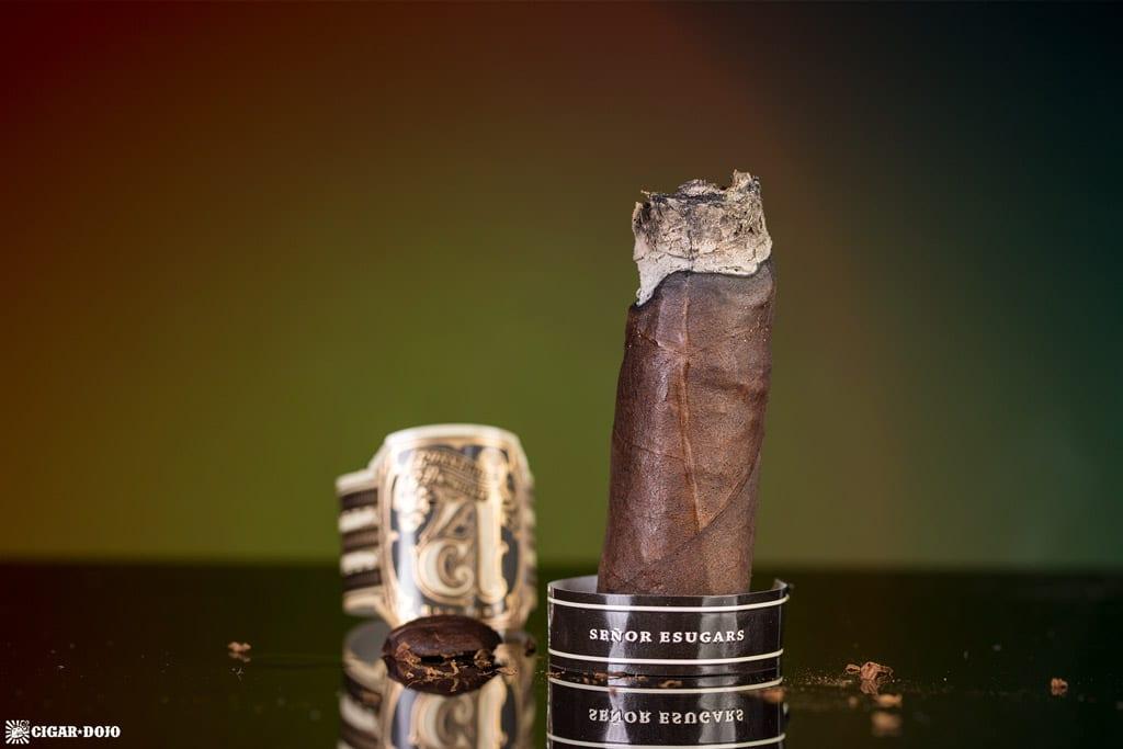 Señor Esugars Robusto cigar nubbed